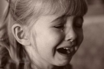 کودک _ گریه _ بازی _ خنگولستان